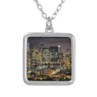Seattle horisont på natten silverpläterat halsband