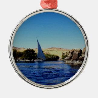 Segelbåt på blåtten Nile i egyptenfoto Julgransprydnad Metall