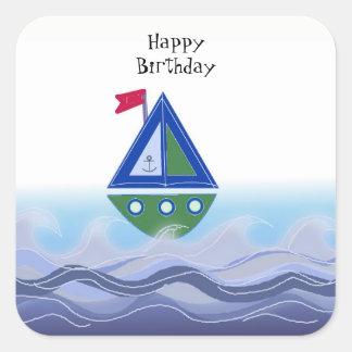 Segelbåt på blåtthav fyrkantigt klistermärke