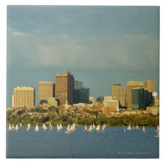 Segelbåtar i en flod, Charles River, Boston, Kakelplatta