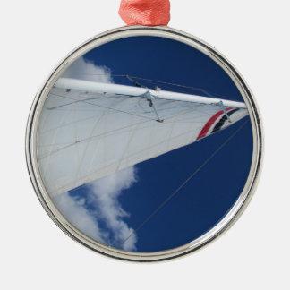 Segelbåten seglar julgransprydnad metall