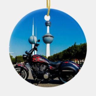 Segerkickboll på Kuwait torn Julgransprydnad Keramik