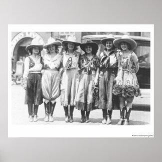 Sex cowgirls på Cheyenne gränsdagar Poster