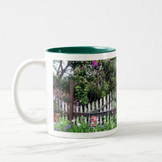 Shabby chic målat trädgårds- staket mugg