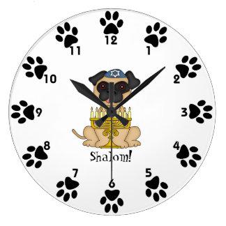 Shalom! - Gullig mopshund med menora Stor Klocka