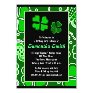 Shamrocks - lycklig fyra lövklöver & fjärilar 12,7 x 17,8 cm inbjudningskort