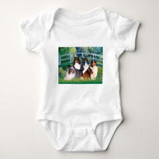 Shetland Sheepdog (fyra) - överbrygga T Shirt