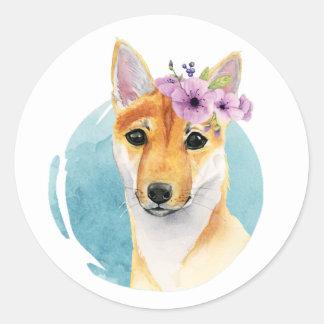 Shiba Inu med målning för blommakronavattenfärg Runt Klistermärke