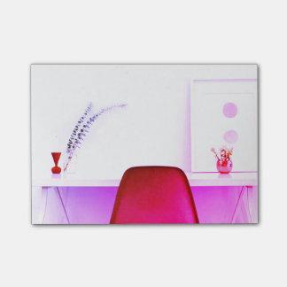 Shock rosalärarestol från skrivbordet av post-it note