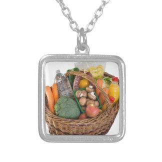 Shoppingbasket med matfrukter och grönsaker silverpläterat halsband