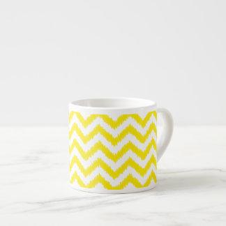 Sicksack för mönster för Ikat sparre solig gul Espressomugg
