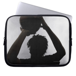 Silhouette av basketspelare laptop sleeve
