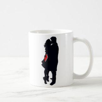 Silhouette av en kyss (11 uns. kaffemugg) kaffemugg