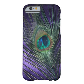 Silkeslen purpurfärgad påfågelfjäder barely there iPhone 6 skal