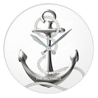 Silver ankrar den nautiska väggen tar tid på stor rund klocka