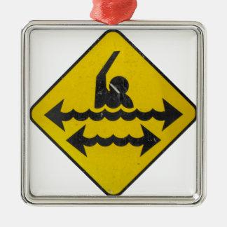 Simningfara undertecknar julgransprydnad metall