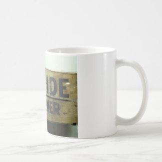 Självmordet tränga någon kaffemugg