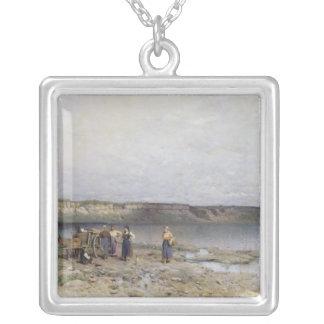 Sjö Balaton med kusten av Akarattya, 1885 Silverpläterat Halsband
