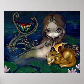 Sjöjungfru med guld- fae för en fantasi för drakek poster
