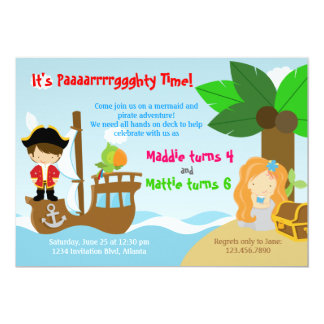Sjöjungfru- och pirattwillingar fogar ihop 12,7 x 17,8 cm inbjudningskort