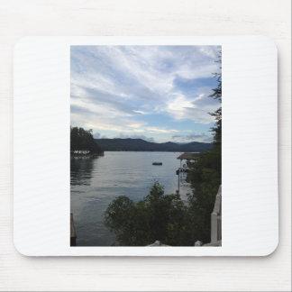 Sjön Burton beskådar Musmatta