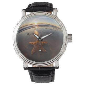 Sjöstjärna på strand armbandsur