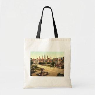 Sjukhuset, Lubeck, tyskland klassiker Photochrom Tote Bags