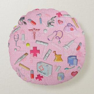 Sjuksköterska och tålmodiga gåvaidéer rund kudde