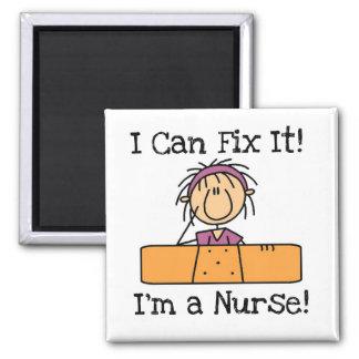 Sjuksköterskan kan jag fixa det T-tröja och gåvor Magnet