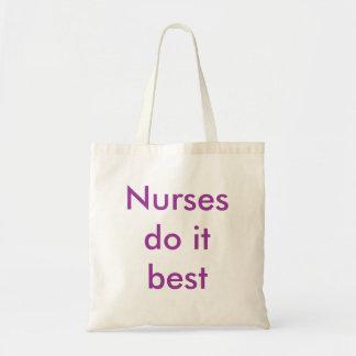 Sjuksköterskor gör det som är bäst tote bag