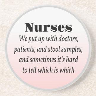 Sjuksköterskor och pallr tar prov underlägg sandsten