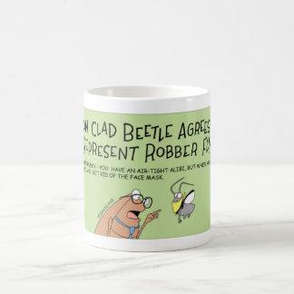Skalbaggen föreställer en rånarefluga kaffemugg