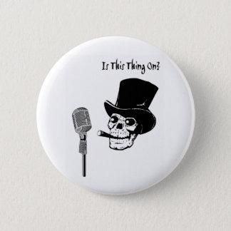 Skalle i top hat med mikrofonen standard knapp rund 5.7 cm