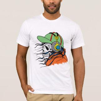 Skalle med den hörlurarskater/surfaren tröjor