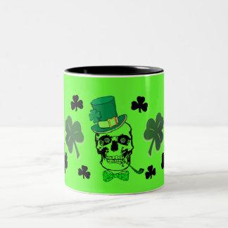 Skallemugg för St. Patricks Två-Tonad Mugg
