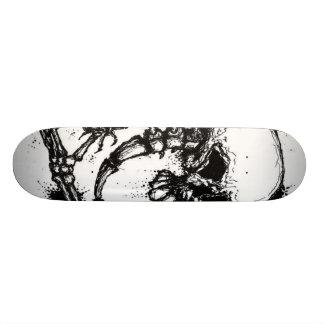 Skalleryggen och räcker skridskon stiger ombord skateboard bräda 20 cm