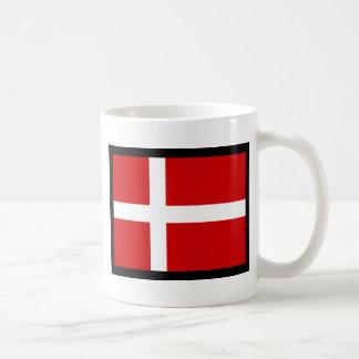 Skandinavisk flaggor vit mugg