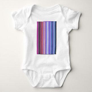 Skapat på nytt kanaliserar t-shirt