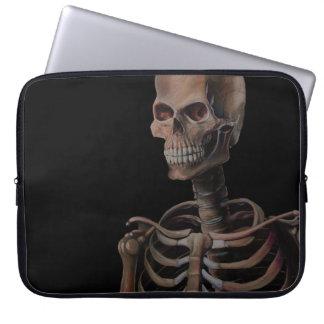 Skelett räcker målat laptop sleeve
