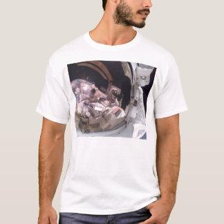 Skicka upptäckten/reflexioner på planetjord t shirt