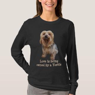 Skjorta för damer för Yorkshire Terrier så gullig Tshirts