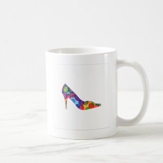 Sko med färgrikt cirklar kaffemugg