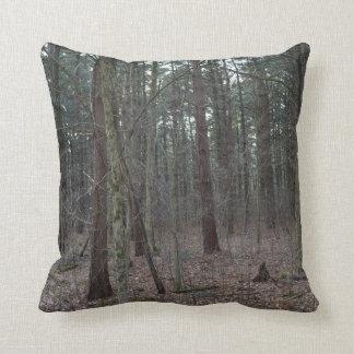 Skogen beskådar kudde