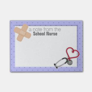 Skola sjuksköterskan Postar-it® noterar Post-it Lappar
