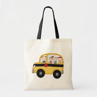 Skolbuss med ungeT-tröja och gåvor Budget Tygkasse