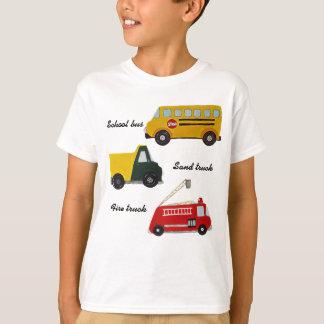 Skolbussen avfyrar och sand lastbilen tee shirt