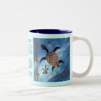 Sköldpadda som drömm muggen med den Dreamtime Två-Tonad Mugg