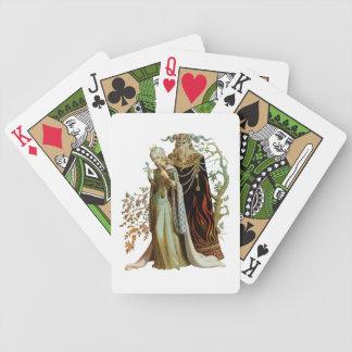 Skönhet och beasten som leker kort spelkort