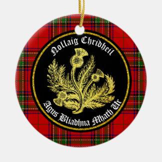 Skotsk god jul och gott nytt år rund julgransprydnad i keramik