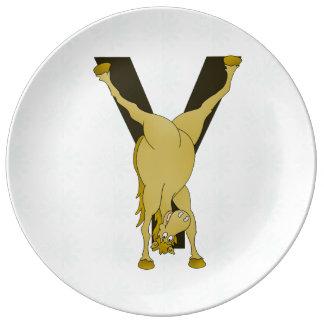 Skräddarsy lättrörlig ponny för Monogram Y Porslinstallrik